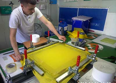 Шелкография при производстве  пакетов