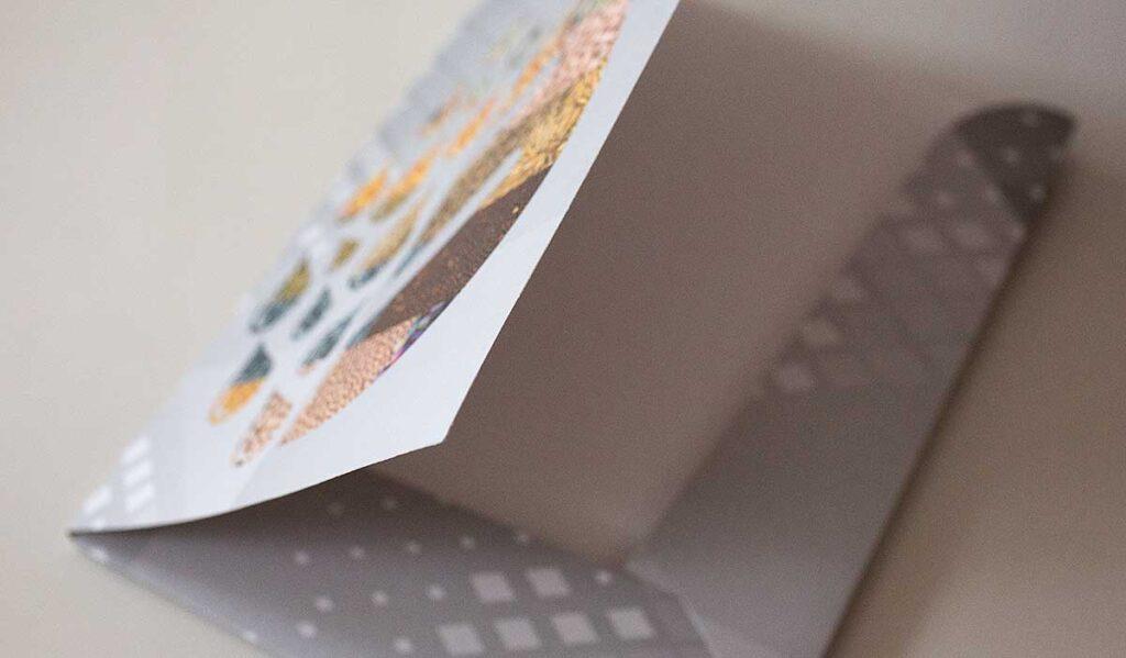 Папка с матовой ламинацией и пполноцветной печатью.